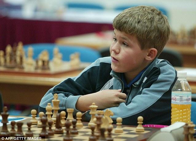 młody Magnus Carlsen, 2004 rok