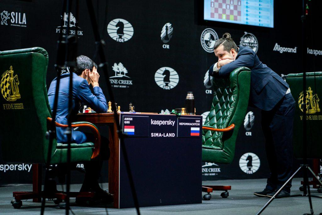 Anish Giri - Ian Nepomniachtchi, turniej pretendentów, Jekaterynburg 2020, runda 1